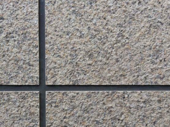 为何外墙仿石漆容易脱落